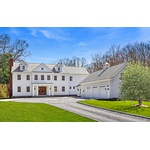 A Rare Luxury: Modern New England Colonial Meets Sleek and Sumptuous NYC Ambiance