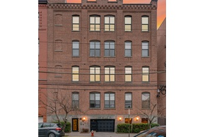 BRAND NEW RENOVATED 3BR LOFT NOW AVAILABLE!  Laundry in the Building, Elevator Building!  Parking Available On Site!