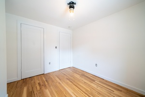 Newly Renovated 2 Bedroom 1 Bath Apartment located at 216 Jefferson Street!