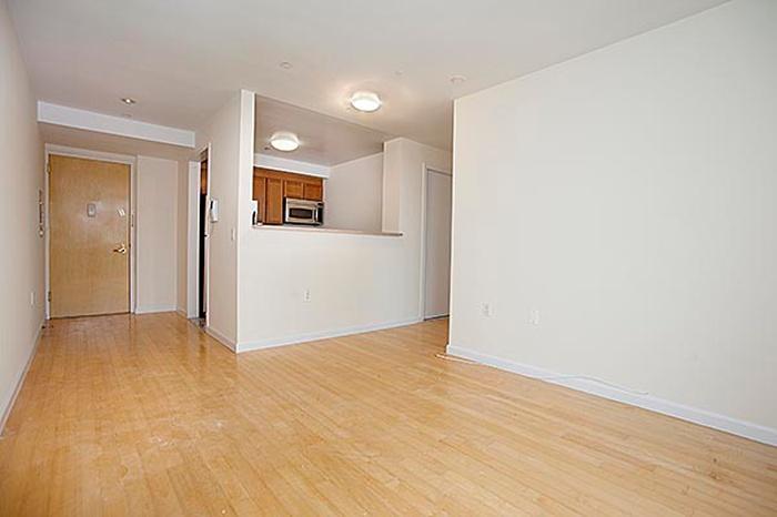 Best Deal  One Bedroom  in Manhattan  few blocks from Central Park