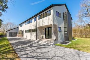 Stunning Bridgehampton 7 Bedrooms New Construction!