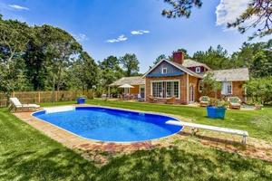 Enjoy the Amagansett Dunes - 5 Bedrooms - Pool