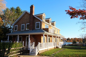Shelter Island Waterfront - 4 Bedroom With Pool