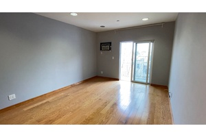 Astoria Park: NO FEE! Pet Friendly 1 Bedroom  1 Bathroom with Balcony with Laundry in Building