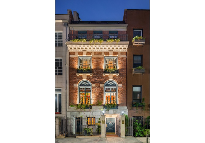 163 EAST 64TH STREET  |  THE TOWNHOUSE  | 8000SF SUBLIME PERFECTION