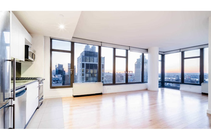 Great Luxury 2 Bedroom in the famous Beatrice Building